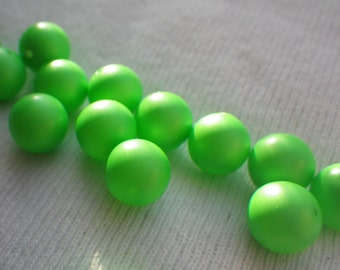 Neon Green Crystal Pearls 8mm Swarovski Article 5810 25 Pcs
