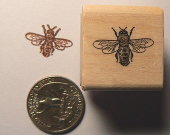 P22  Tiny Bee rubber stamp miniature