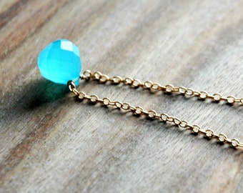 Turquoise Blue and Gold Chain Necklace / Simple Blue Pendant 14k Gold Necklace / Onion Cut Chalcedony Gemstone / Modern Geometric Necklace