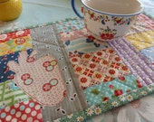 Handmade Quilted Pink Strawberry Applique Feedsack Patchwork Shabby Chic Table Mat Table Runner