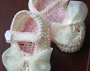 Crocheted Newborn Baby Girl Booties Crib Shoes with Sheer Bows Baptism Knit Infant Booties Christening Reborn Shoes Crochet Doll Booties