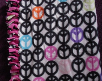 Peace Sign NoSew Fleece Blanket