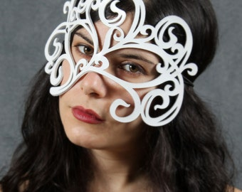 Swirly Leather Mask in White