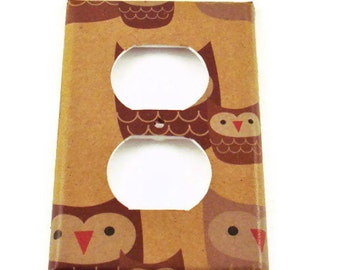 Outlet Plate Switchplate Wall Decor  Switch Plate Cover  in Sweet Owls (125O)