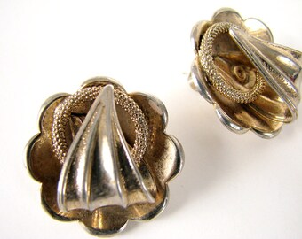 Vintage Silvertone Triangle Circle Clip On Earrings