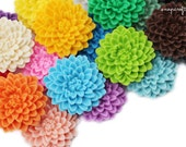 5pc large chrysanthemum resin flower cabochons / 32mm / 24 colors, great for making pendants