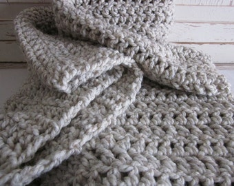 Chunky cozy knit crochet wool throw blanket / Wheat