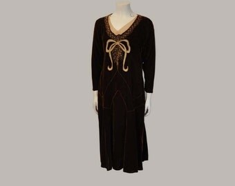 20s dress / Ornate Big Beaded Bow Vintage 1920's Chocolate Brown Velvet Dress