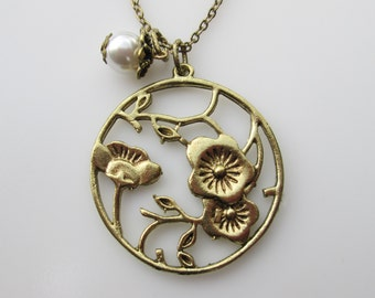 Flower Necklace, Cherry Blossoms Necklace, Flower Charm, Round Flower Pendant, Pearl Accent, Romantic Vintage Style, Nature, Flower Garden