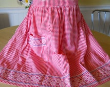 1950s Gingham Chicken Scratch Apron Embroidery Pattern
