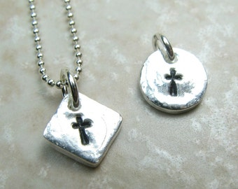 TINY CROSS NECKLACE, small sterlig silver cross necklace