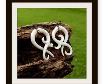 Fake gauge earrings ,  Small twist , Bone Split Gauge Earrings, hand carved,tribal style,organic