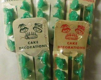 One Vtge Package of Green 8 Count Candle Holders Cake Birthday
