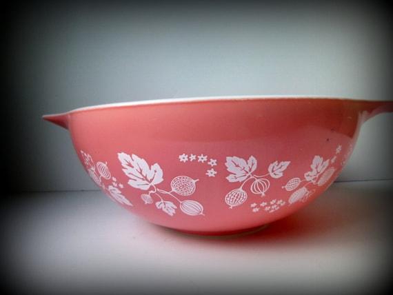 Pyrex Pink Gooseberry 444 Cinderella Mixing Bowl By