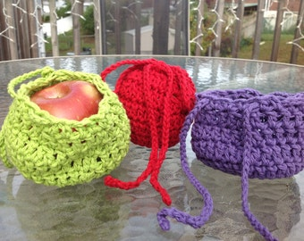 Apple Sack - Great for teachers - a hand-crocheted bag for medium to large size fruit - Free US Shipping