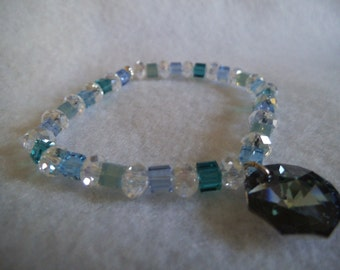 BLUE SQUARED A Swarovski crystal cube bracelet. Free Shipping