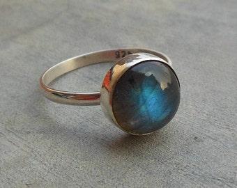 Natural Labradorite Ring - Stackable ring - Bezel set ring - Blue ring - Round stone ring - Artisan ring - Gift for her