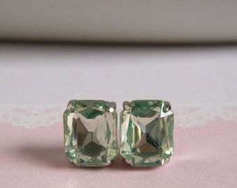 Old Hollywood Style Studs Earrings - Faux Gems - Chrysolite