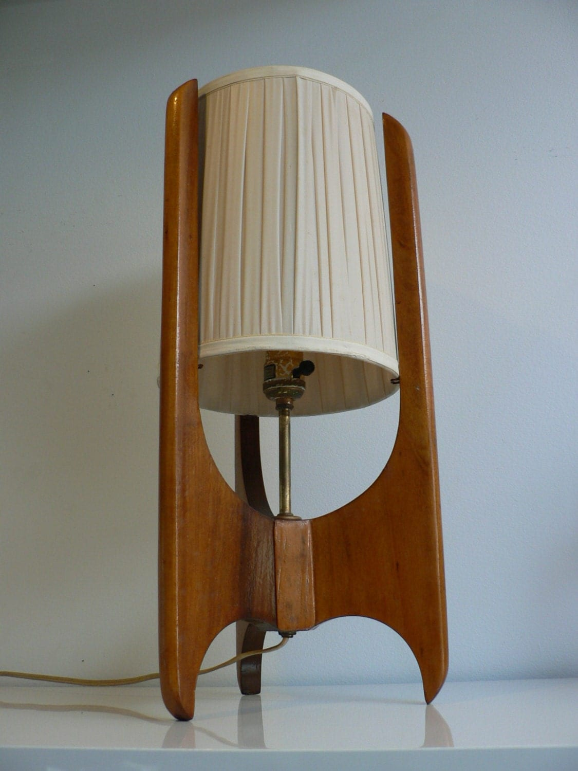 Mid century modern table lamp - Like This Item