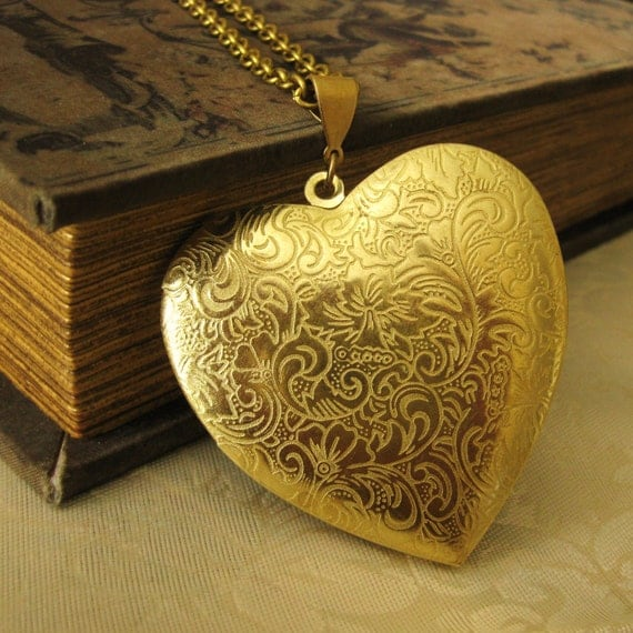 Large Heart Locket Vintage Style Picture Locket Vintage large heart locket heart locket large locket large brass locket locket necklace