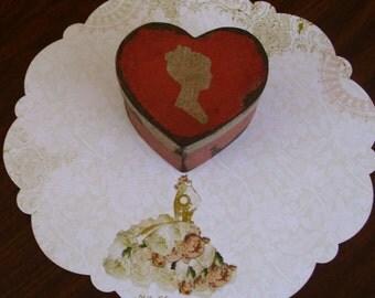 Paper Mache Vintage Valentine Box 106