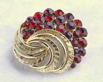 Red Rhinestone Brooch Vintage 1950s Garnet Red Sparkle Swirled Goldtone Pin