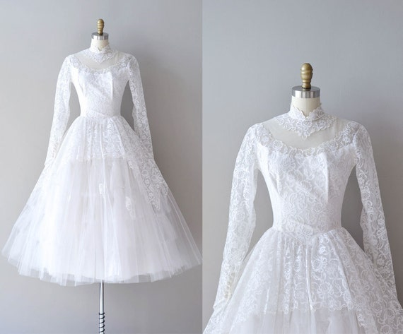 SALE 50s lace wedding dress / 1950s wedding dress / by DearGolden