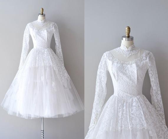 SALE 50s Lace Wedding Dress / 1950s Wedding Dress / Ideal