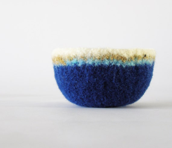 felted bowl - soft felt wool bowl in navy blue with sky blue, copper, and white rim - air plant container, ring dish, ring bowl