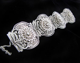Vintage Peruvian Sterling Silver Filigree Cuff with Flowers