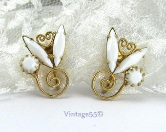 Earrings Milk glass Gold tone clip on scrolled Heart