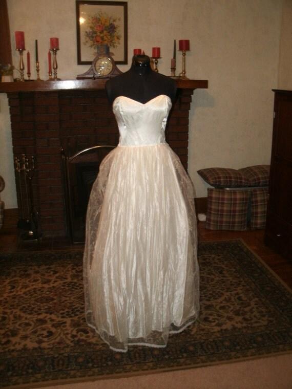 Gunne sax by jessica mcclintock ivory satin 1950 style for Jessica mcclintock gunne sax wedding dresses