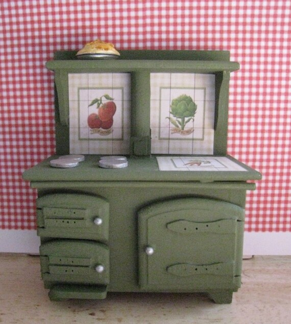 Old Fashioned Stove: SALE Old Fashioned Stove Hand Decorated. Twelfh Scale