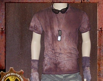 Made to Order a Mens One of a Kind Ruined and Rusted Dirty and Distressed Wasteland T-shirt