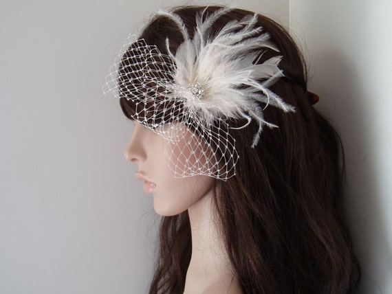 Mini Veil Ivory Feather Bridal Hair Clip WEDDING HAIR PIECE Fascinator with Rhinestone Jewel, old hollywood hairpiece