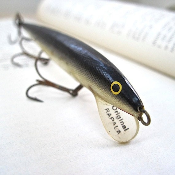 Unavailable listing on etsy for Collectible fishing lures