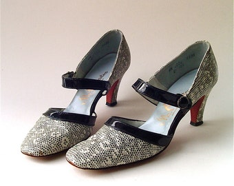Mid Century vintage Mr. Easton Black and White Reptile Printed Leather Mary Jane Pumps