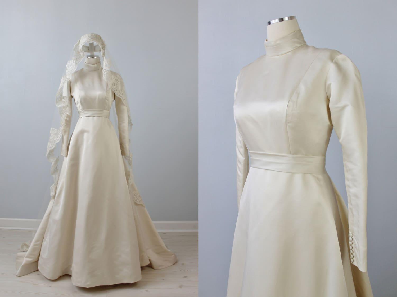 Reserved 1960s Wedding Dress / Mantilla Veil By