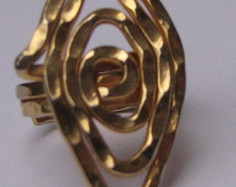 A Costume Geometric Gold Ring Size 8.5-9