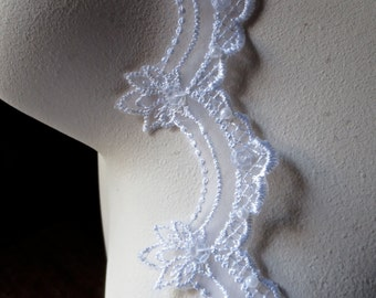 "REMNANT - 3 yds, 20"" White Beaded Lace Scalloped for Bridal, Veils, Wedding Cakes, Costumes BL"