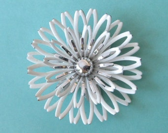 Signed Beautiful Vintage Sarah Coventry Big Pin Brooch & Pendant White Petals