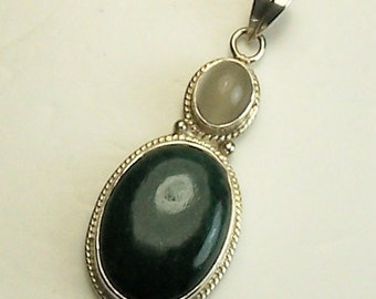 Vintage Sterling Silver, Emerald and Cats Eye Calcite Ladies Designer Pendant