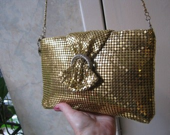 Vintage Gold tone metal evening bag, chain link small evening bag, chain maille bag on long shoulder chain