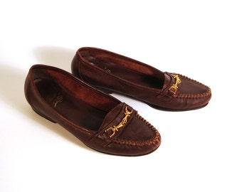 Bass Shoes Loafers Vintage 1980s Burgundy Shoes Women's size 7 1/2