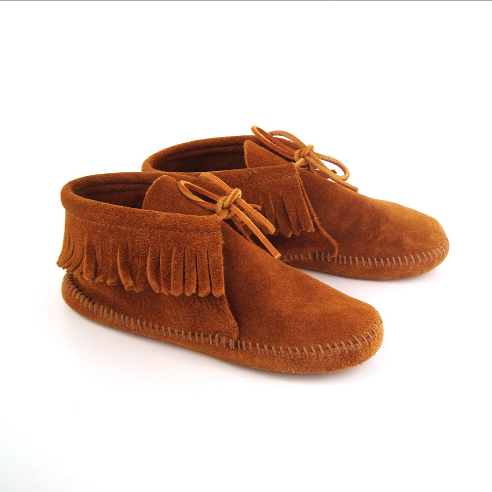 minnetonka moccasin vintage brown suede fringe ankle boot
