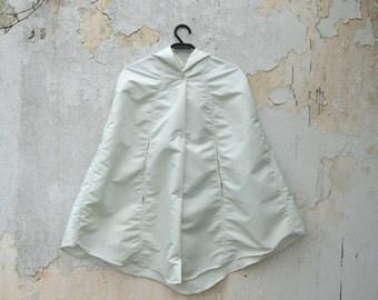 White Raincoat, Unisex Retro Waterproof Rain Cape, Bridal Unisex Rain Coat, Stylish Minimal Vintage Inspired