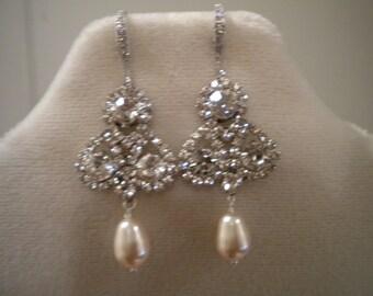 Clover Earring, Swarovski Pearl Earring, Bridal Earring, Crystal Earring - Julia