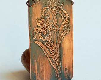 IRIS...  FLOWERS...  beautiful etched pendant...   T 16
