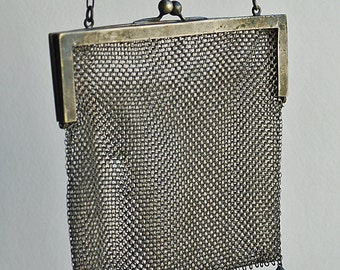 STUNNING vintage chain mail purse... Jun 10FL