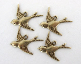 Bird Charm Sparrow Antiqued Brass Ox Swallow Flying Left 17mm chm0188 (4)